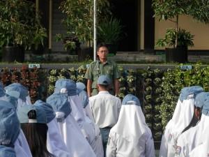 Kepala BPLHD Kabupaten Kuningan sebagai Pembina Upacara